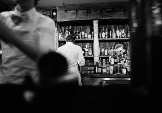 2014-09-life-of-pix-free-stock-photos-New-York-books-bar-Bottles-barman-Waiter